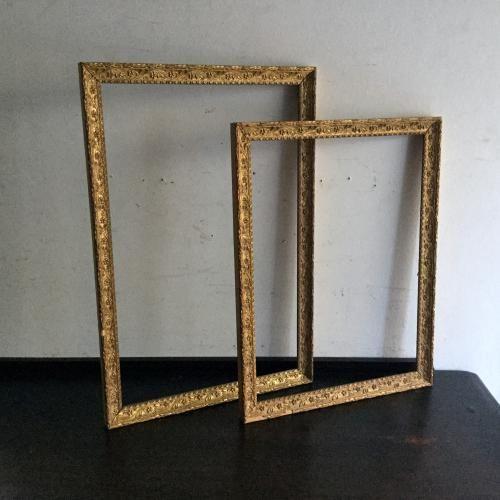 アンティークのフレーム(額縁)|ゴールドとモチーフが素敵なアンティークの額縁です!アンティークのフレームはアンティークを始める方には最適のアイテムですね。ミラーやガラスを入れてインテリアを素敵に飾ってください!ミラーガラスを入れる作業も承っております。