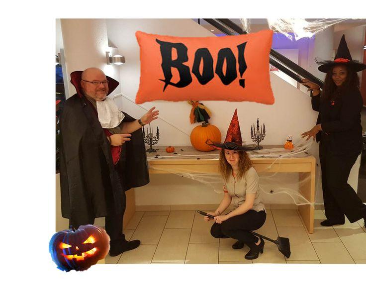 Si vous séjournez bientôt à l'hôtel ibis #Luxembourg Airport et que Jack O'lantern conduit la navette de l'hôtel, que Dracula vous sert un verre au bar jet lounge , que Maléfique les apprentis sorciers vous disent « Des bonbons ou un sort » au check in , c'est que l'esprit Halloween les a envoûtés Attention s'ils ne récoltent rien, ils sont autorisés à faire une farce!! http://www.hotel-ibis-luxembourg.com