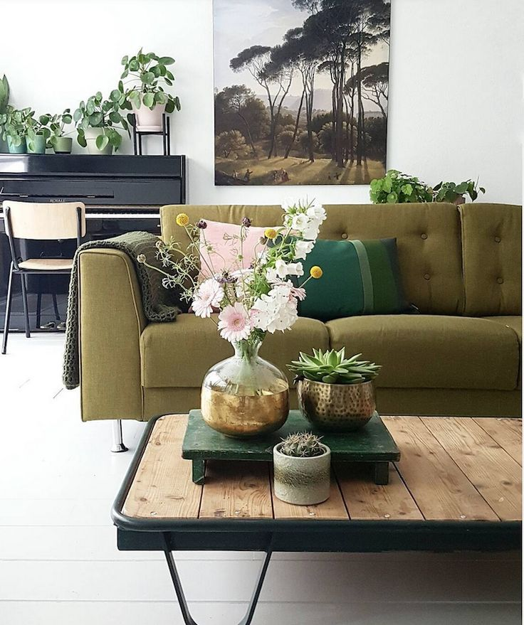 my scandinavian home: A Dutch home gets a green make-over #greensofa #livingroom #piano