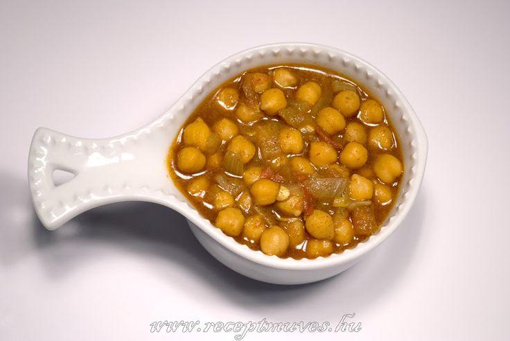 Alapvetően is imádjuk az indiai jellegű ételeket, de az autentikus recept alapján készült paradicsomos padlizsán után gyorsan elkészült eg...