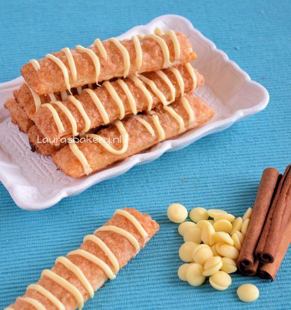 kaneelstengels met witte chocola
