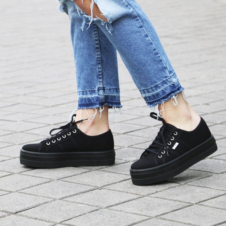¡Pisa fuerte con estas zapatillas #Victoria de plataforma!
