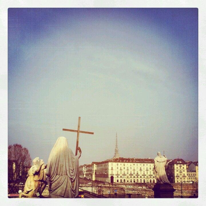 Torino, piazza Gran Madre http://blackcatsouvenirs.blogspot.com