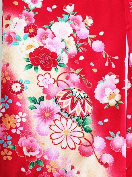 【お宮参り・産着5点フルセット】赤地に鞠と花尽くしの祝い着(赤)/女児《赤ちゃんの宮参りに》咲き乱れる花々が色鮮やかな初着/レッド