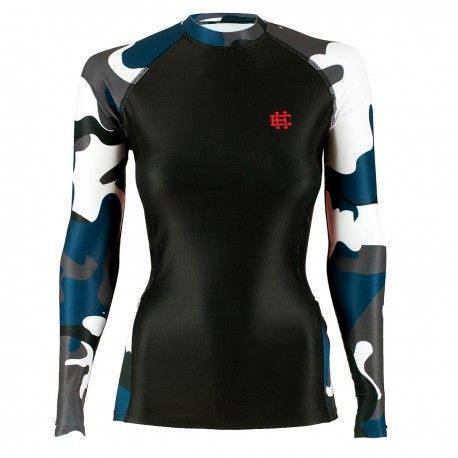Longsleeve rashguard women WORKOUT. Color: black with blue moro. Excellent quality rashguard HOBBY EXTREME is ideal for hard training people who appreciate the highest class of products. Made of high quality material, which, thanks to its flexibility, clings to the body. Sophisticated thermoregulation system by which the body is dry and the muscles warmed up. Sublimated logos (will not scratch).