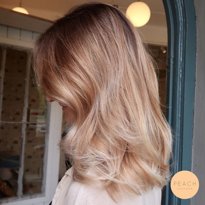 Beige Blonde Balayage Hårfärg