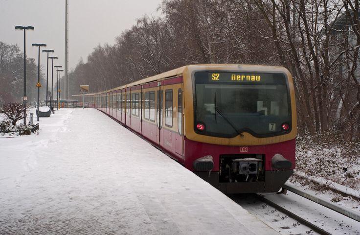 S-Bahn im Winter S2 Attilastraße 2016 (Berlin)