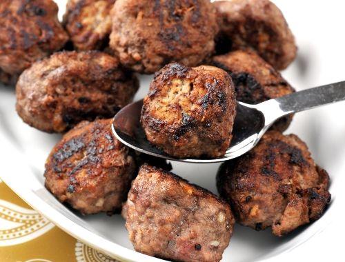 Älgköttbullar. Recept på enkla och klassiska älgköttbullar. Köttbullar med älgkött.