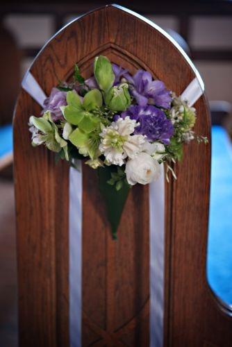 Google Image Result for http://francoiseweeks.com/wp-content/uploads/2011/11/lavender-pew-arrangement-in-cone-Fran%25C3%25A7oise-Weeks.jpg