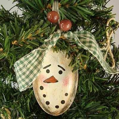 Not as cute as the fork santas, but cute! Country SNOWMAN Ornament SPOON Hand Painted Prim OOAK