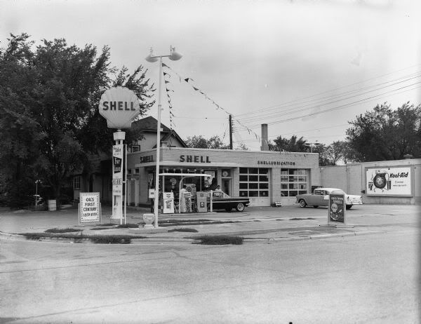 Shell station mid 1960s. | old gas stations | Pinterest ...