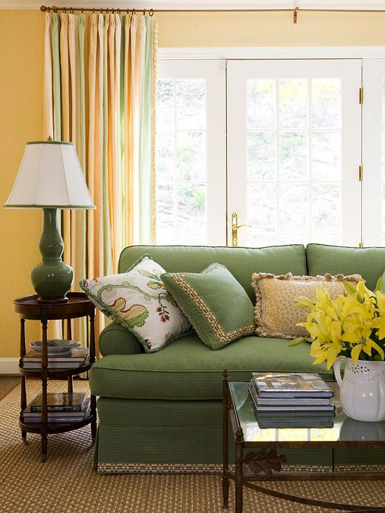 Best 20 green family rooms ideas on pinterest green for Yellow green living room ideas