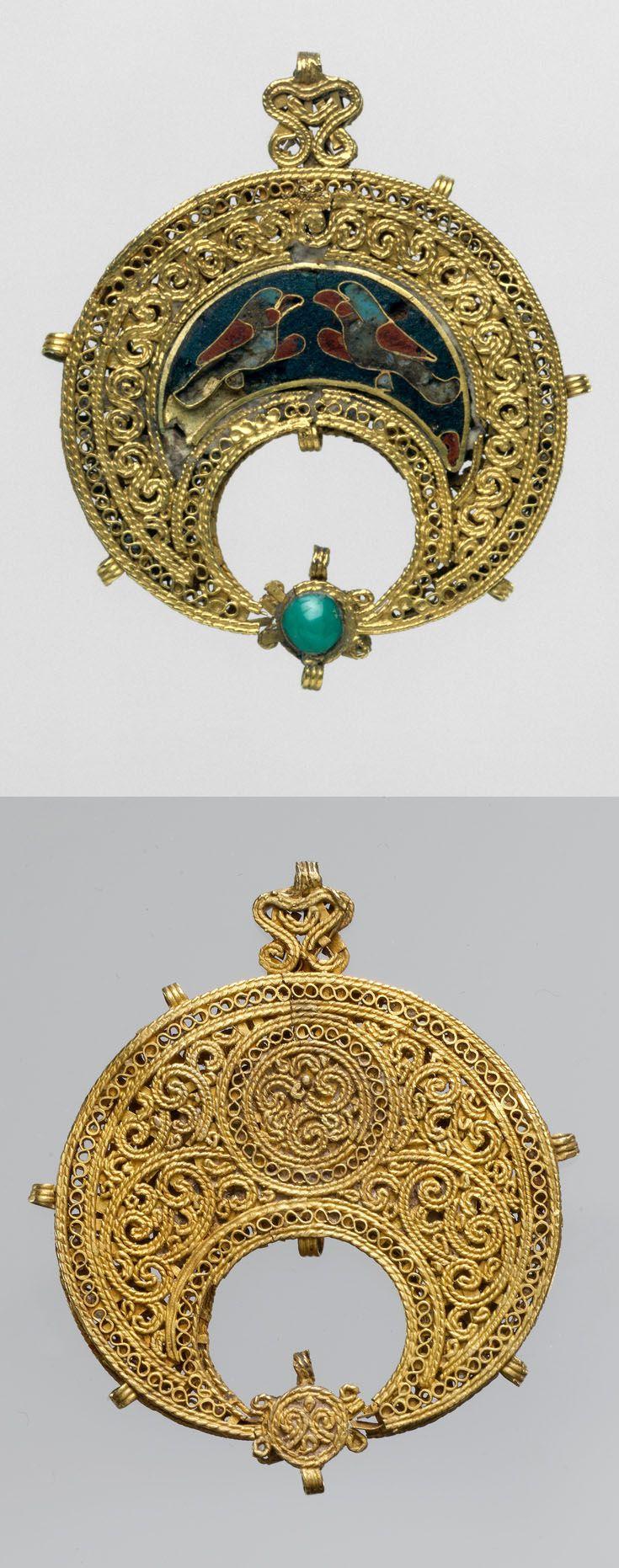 Egypt   Islamic crescent-shaped pendant; gold,  cloisonné enamel, turquoise   ca. 11th century