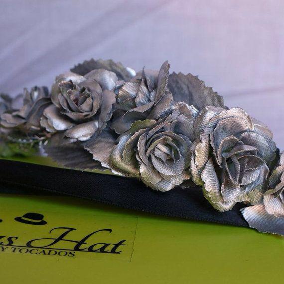 Corona floral plateada Beatriccie por PaleasHat en Etsy