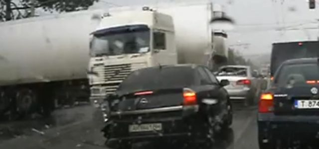 Truck Accidents Compilation July 2015