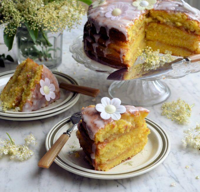 Lavender and Lovage | Apple, Lemon and Elderflower Drizzle Cake | http://www.lavenderandlovage.com