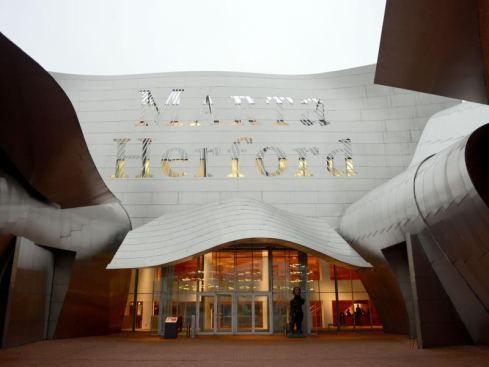 Marta in Herford ist Museum des Jahres Das Museum Marta im ostwestfälischen Herford, Germany ist von deutschen Kunstkritikern zum Museum des Jahres 2014 gekürt worden. 12/4/2014