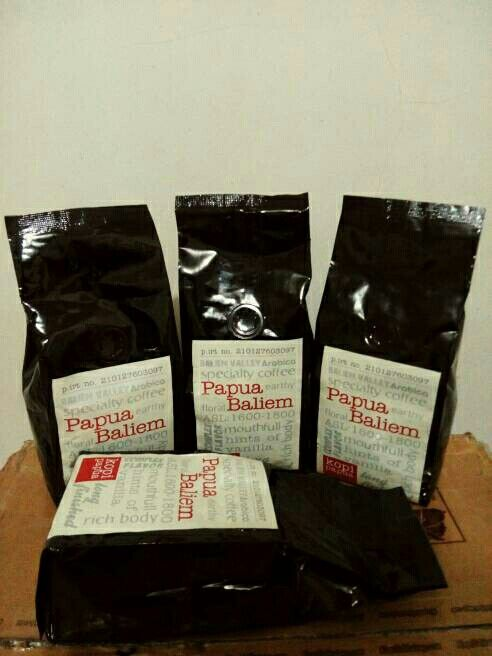 Papua Baliem Arabica Coffee @ 250 gram only IDR 119,000 roasted bean. Indonesia Speciality Coffee.