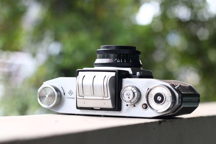 KW (Kamera-Werksttten) Praktica FX2 35mm SLR with Industar 50-2 50mm f3.5 M42 Mount. store.wihgi.com