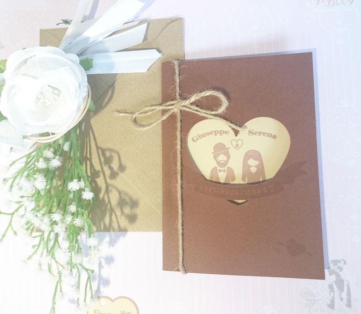 Partecipazione Vintage su carta marrone con intaglio cuore e interno crema