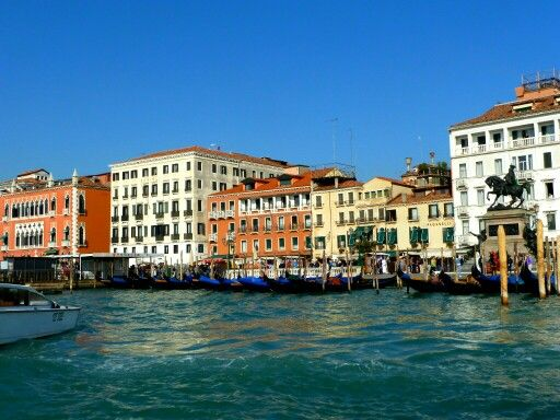 mytripadvice: Venice spend a few days (at least) in this unique and fascinating city. We stayed at the Hotel Abbazia near the train station.