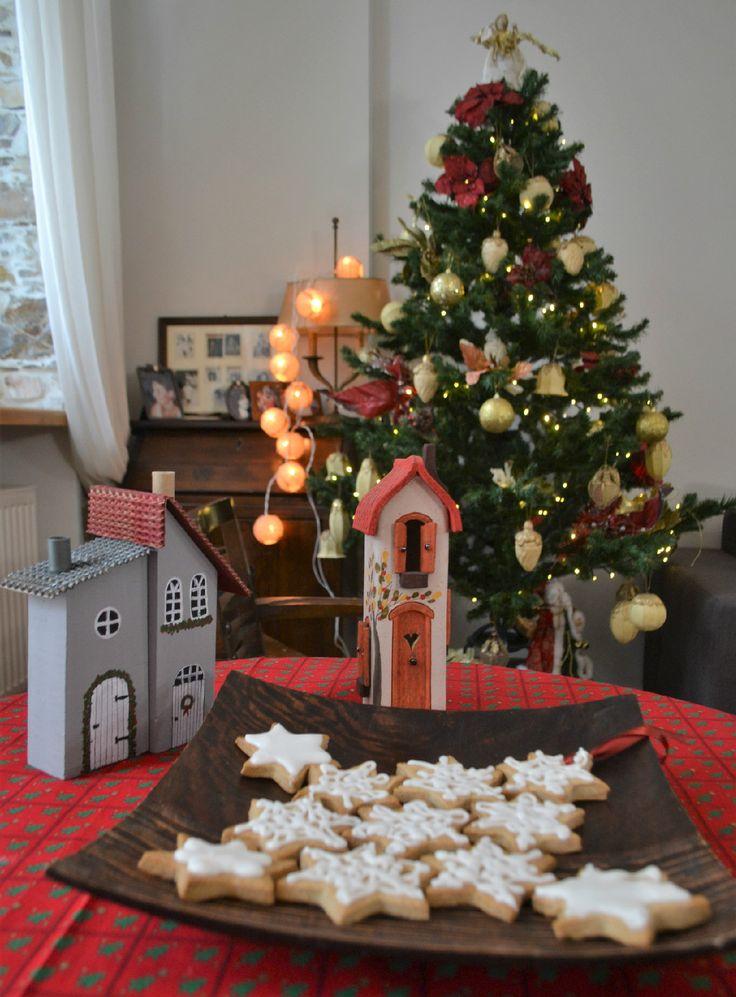 Χριστουγεννιάτικα μπισκότα βουτύρου - Sweetly