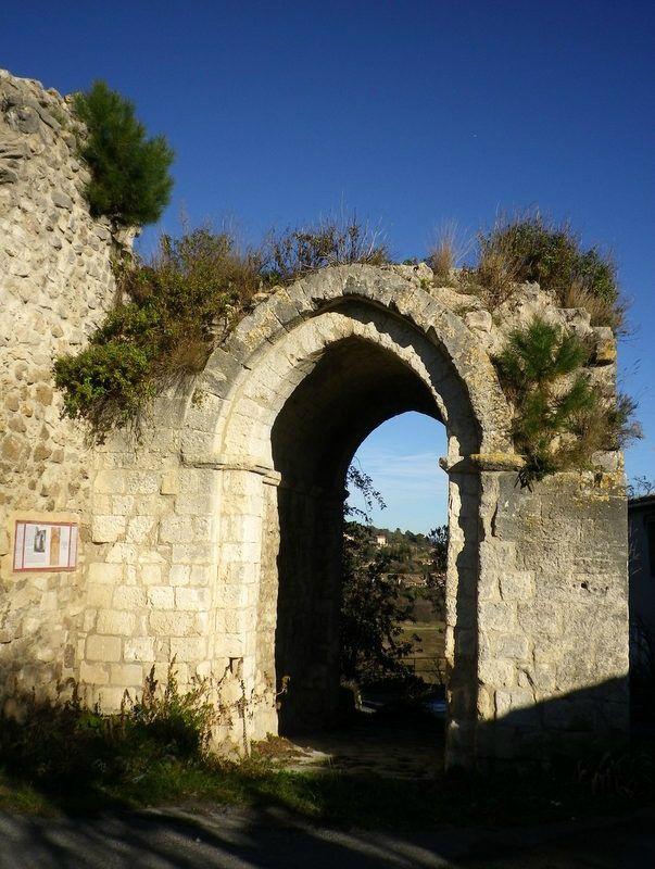 Reillanne : la porte St Pierre
