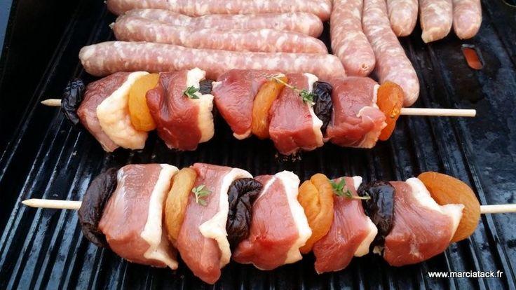 Brochettes de magret de canard, abricots et pruneaux - Recette - Marciatack.fr : recettes faciles | Tout pour cuisiner !