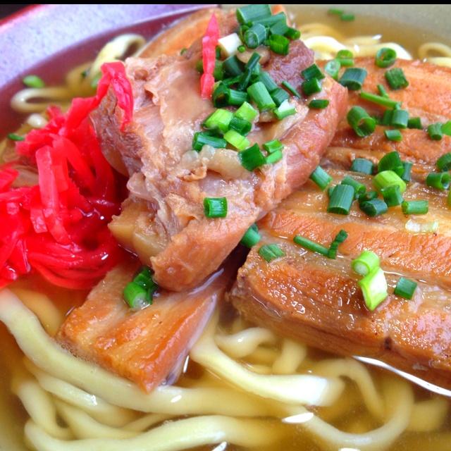 沖縄そば ; okinawa soba I would seriously love a recipe for this!