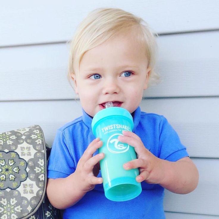 He is soo beautiful!!!  #twistshake #babyboy #twistshakesleepyhead #babybottle #cutie