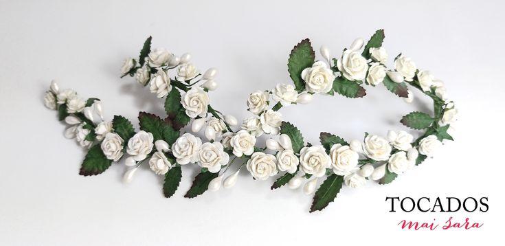 Tocado Novia Floral con hojas y pistilos NISALA #tocadosdenovia