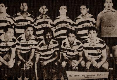 SPORTING 1963-64 com Lucio,David Júlio,Péridis,José Carlos,Hilário e Carvalho. Hugo,Osvaldo Silva, Mascarenhas, Géo e Morais.