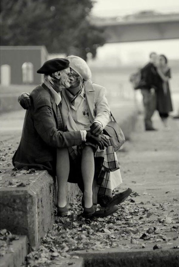 True love never grows old: 25+ of the sweetest and most heart touching photos i've ever seen