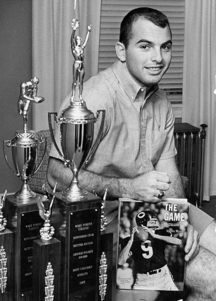 Brian Piccolo (1943-1970)It was so sad when he passed away so young.