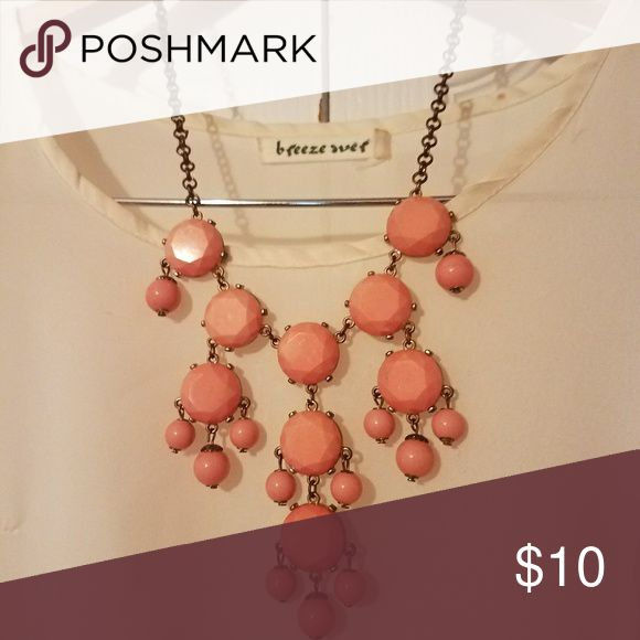 Coral pink bubble necklace •Gold/bronze chain •Beautiful statement necklace😍  I ship immediately!📮😊  Remember to bundle to save more!💸💸 Jewelry Necklaces
