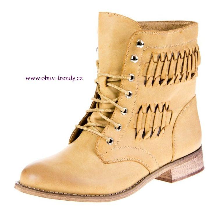 šněrovací boty camel