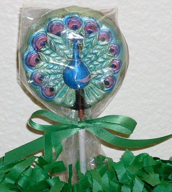 10 chupetines de chocolate del pavo real para las bodas