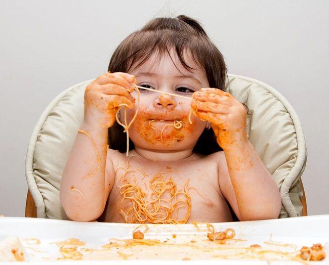 Médoto BLW – Baby-Led Weaning (significa uma forma diferente de introdução de alimentos sólidos, sem papinha) Seguir os princípios do BLW aumenta a chance de pais e bebês curtirem a transição para os alimentos sólidos e irão ajudá-los a assegurar o bem estar do bebê. A maioria dos bebês estarão prontos para inciar a alimentação com alimentos...