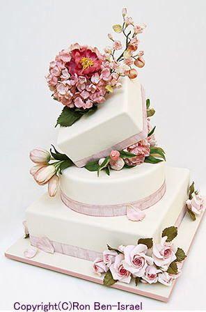 ケーキデザイナーのウェディングケーキ