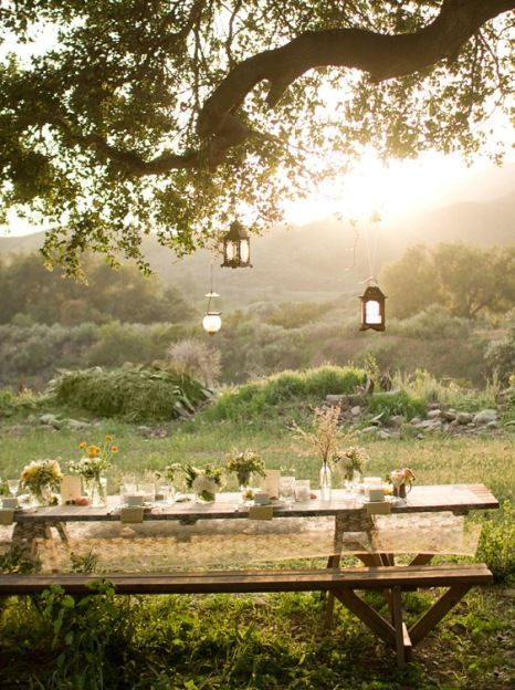Romantic Picnic Tables / DailyDivaDish