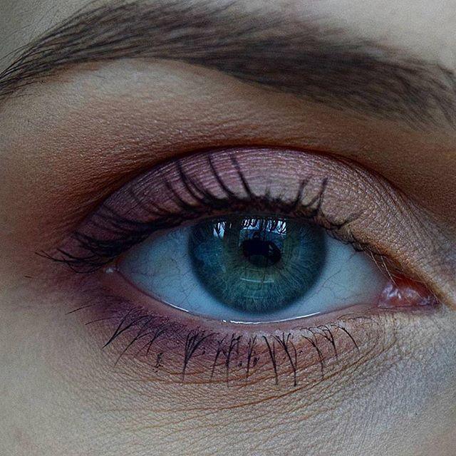 Jesienny makijaż oka wykonany paletką @inglot_cosmetics oraz cieniami z @glamshop.pl ❤  w kąciku wewnętrznym pięknie mieni się wata cukrowa, ale nie umiałam tego uwiecznić 😡 Jak Wam się podoba? 😊#makeup #inglot #glamshop #glamshadows #glambrush #kiczix #blogger #polishblogger #blogspot #blogosfera #blogerkiurodowe #blogowanie #lifestyle #blogerka #nowyblog #bloglifestylowy #blogmakijażowy #makijaż #jesień #makijażjesienny #autumn #fall