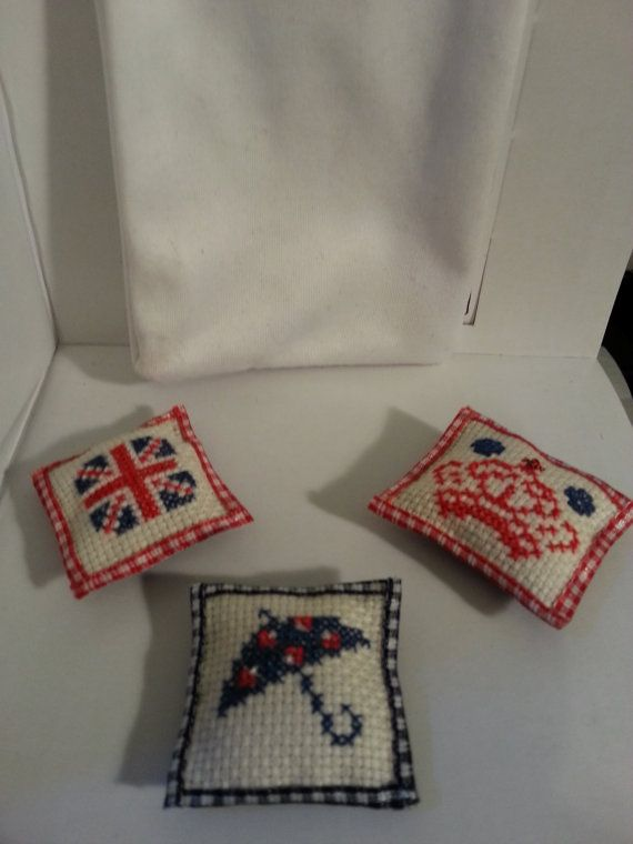 Pillows in British style by LaboratoriodiManu on Etsy, €12.00