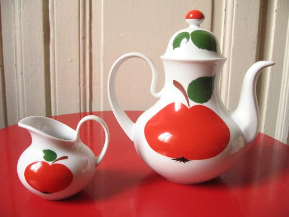 Théière et crémier en porcelaine de Bavière / par LMsoVintage