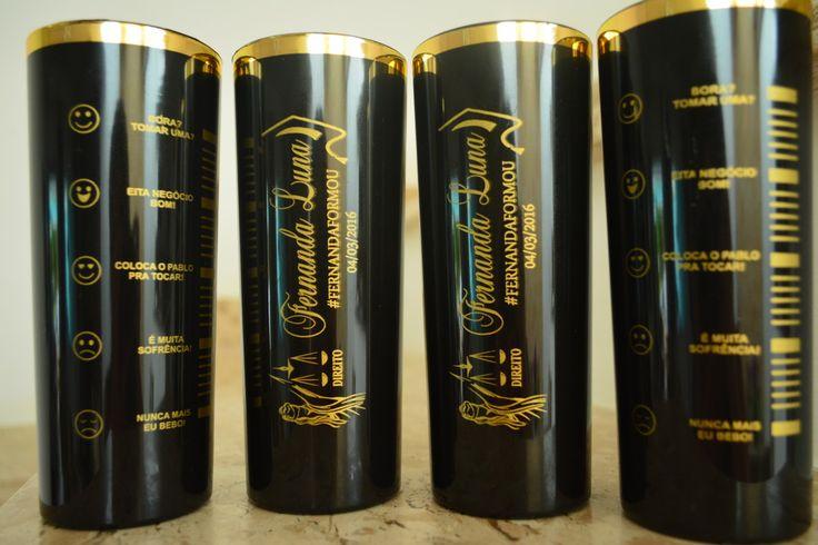 COPO LONG DRINK COM BORDA DOURADA 330ML PERSONALIZADO  PERSONALIZAÇÃO É FRENTE E VERSO  Disponíveis nas cores:  TRANSLUCIDOS: incolor  SOLIDOS: BRANCO, PRETO  COPOS PERSONALIZADOS PARA:  FORMATURAS  CASAMENTOS  ANIVERSÁRIOS  EVENTOS  PROMOCIONAIS  INSTITUCIONAIS  BALADAS  BRINDES  IGREJAS  LEMBRA...