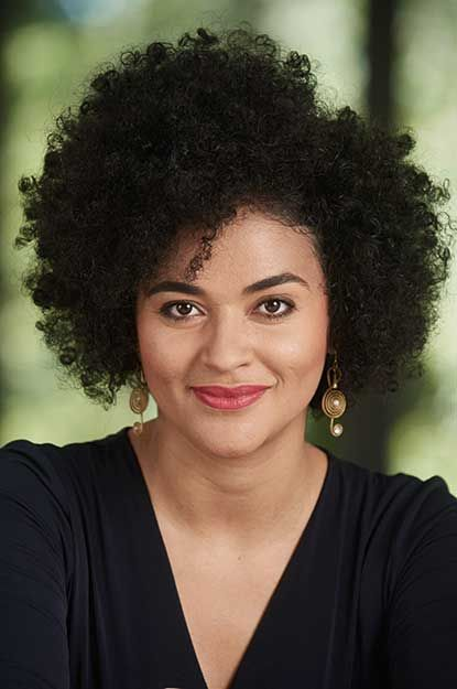 """At Oper Stuttgart the Brasilian mezzo-soprano Josy Santos will present herself as Siebel in Gounod's """"Faust"""" as well as Cherubino in Mozart's """"Le nozze di Figaro"""", amongst other parts. Also a dedicated concert singer, the artist already performed at Festival Música Trancoso and Rheingau Musik Festival."""