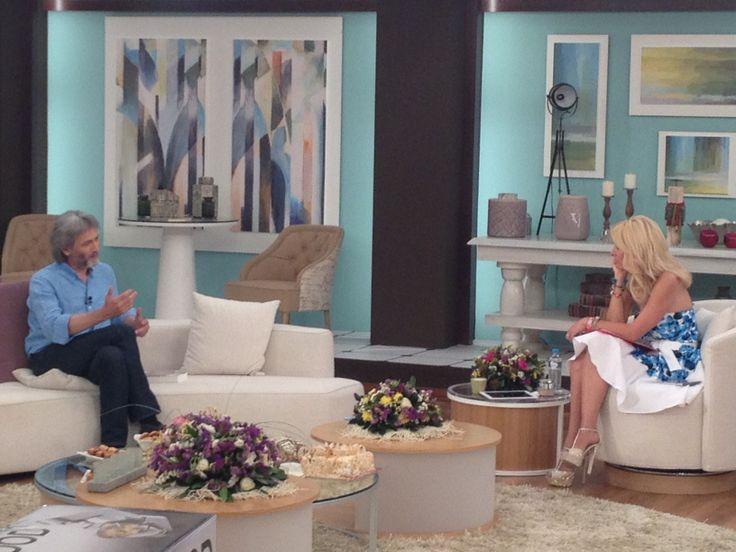 Ο Γιάννης Καλπούζος καλεσμένος στην εκπομπή της Ελένης Μενεγάκη