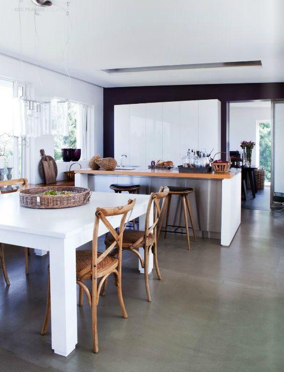 Un suelo de hormigón pulido es muy interesante para casas y locales de planta baja. Puede quedar fino y atractivo, sin juntas y fácil de limpiar.: