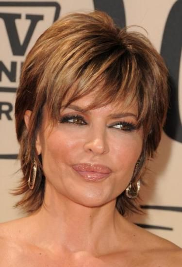 I always seem to love Lisa Rinna's hair. This is what I was going for when I cut my long hair short.