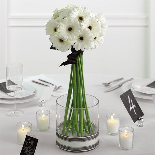 @Carol Chisenhall white anemones with black centers: Gerber Daisies, Centre Piece, Gerbera Daisies, Flowers Centerpieces, Simple Centerpieces, Tables Centerpieces, Wedding Centerpieces, Simple Wedding, Center Pieces