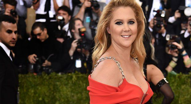 How Amy Schumer Is Like a Greek Goddess